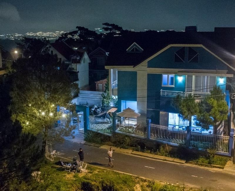 Khung cảnh buổi tối tại Hoa Quỳnh 1 villa ở Đà Lạt