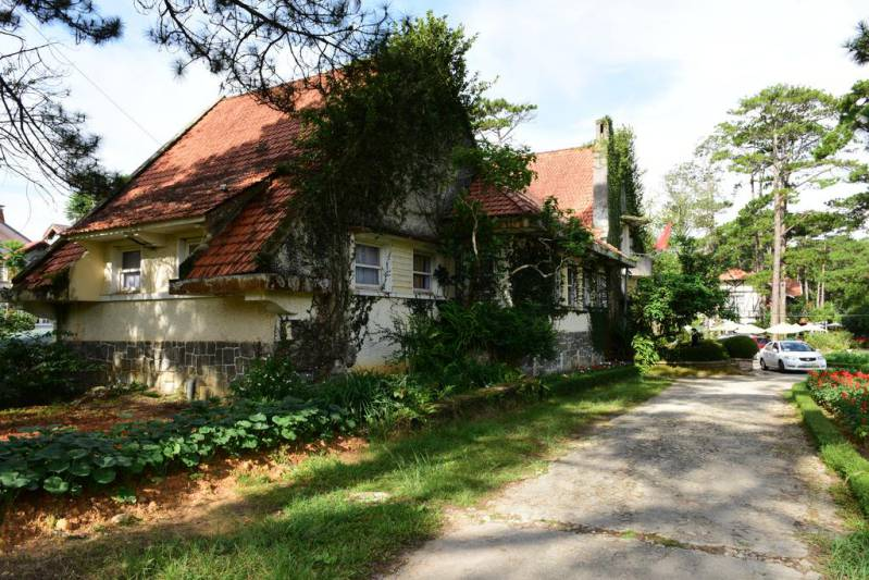 Khu biệt thự Pháp cổ Dalat Cadasa Resort Đà Lạt