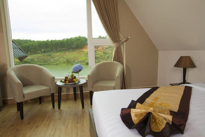 Một phòng nghỉ ở Khu nghỉ dưỡng Dalat Wonder Resort Đà Lạt