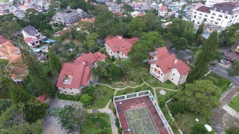 Khu nghỉ dưỡng Monet Garden Villa Resort ở Đà Lạt nhìn từ trên cao