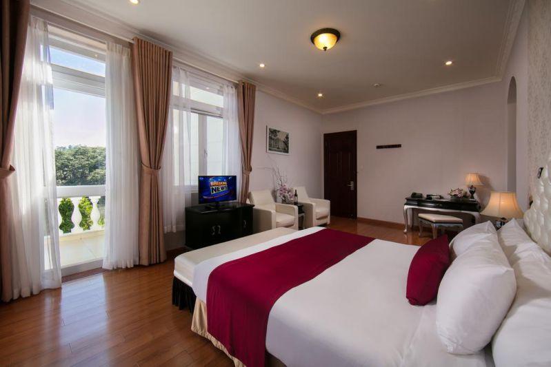 Một phòng nghỉ ở khu nghỉ dưỡng SAM Tuyền Lâm Resort ở Đà Lạt