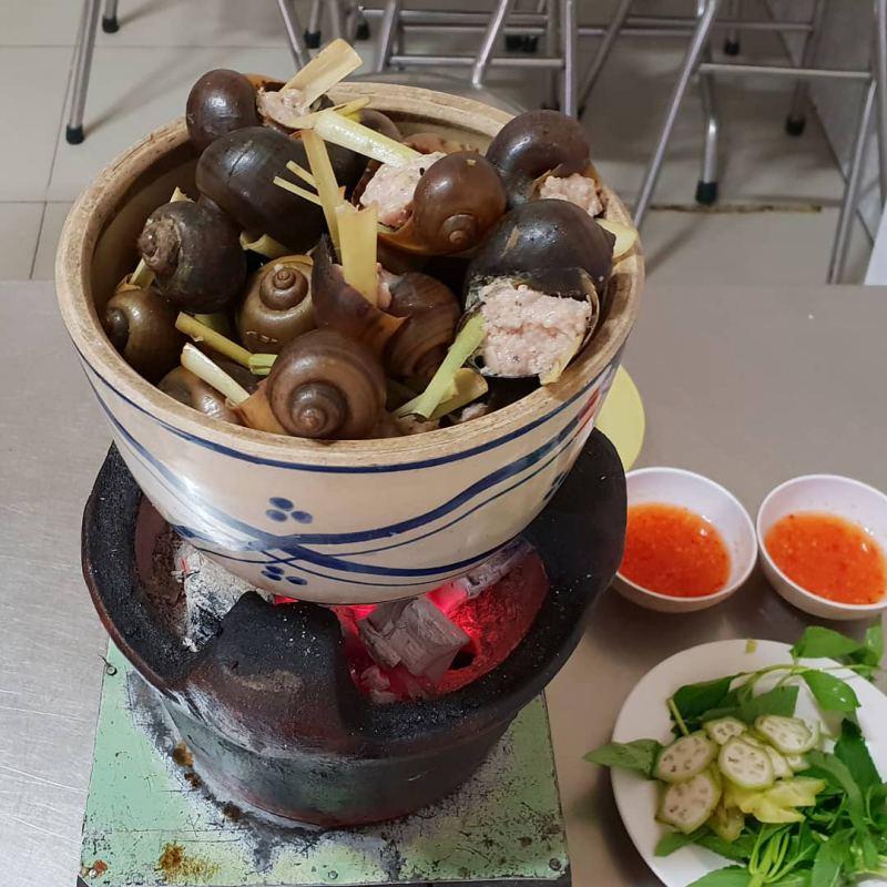 Món nhậu Ốc nhồi thịt 33 ở Đà Lạt