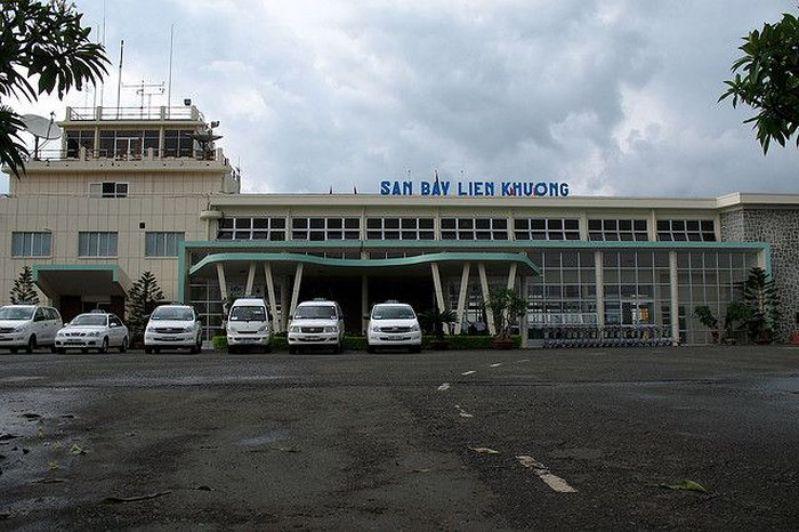 Nhà xe tại sân bay Liên Khương Đà Lạt