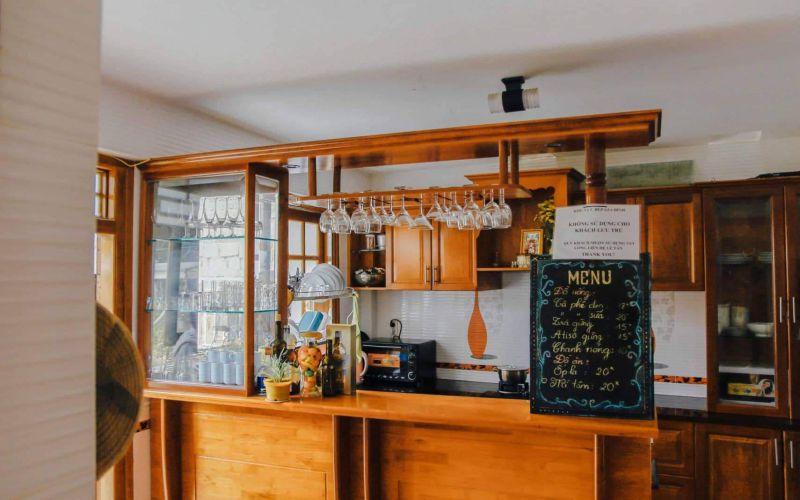 Bếp trong villa Anh Đào