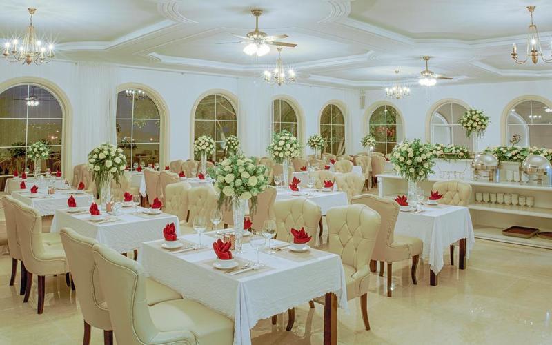 Nhà hàng sang trọng của Biệt Thự 3 sao La Vie En Rose Đà Lạt