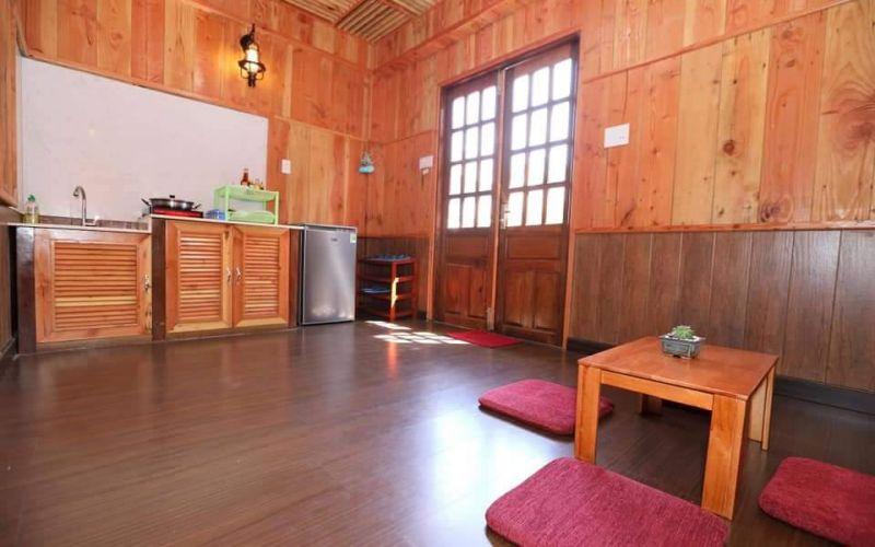 Phòng khách trong Villa Căn Nhà Gỗ Đà Lạt