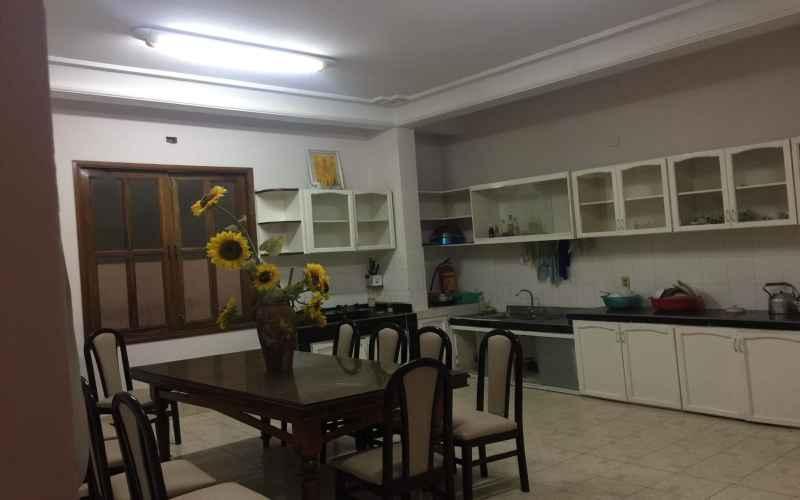 Phòng bếp trong villa Hoàng Văn Thụ