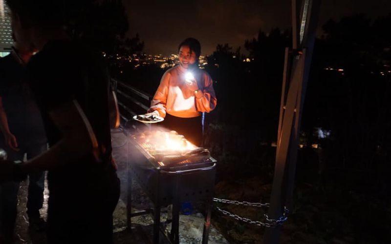 Nướng BBQ tại villa Mặt Trời