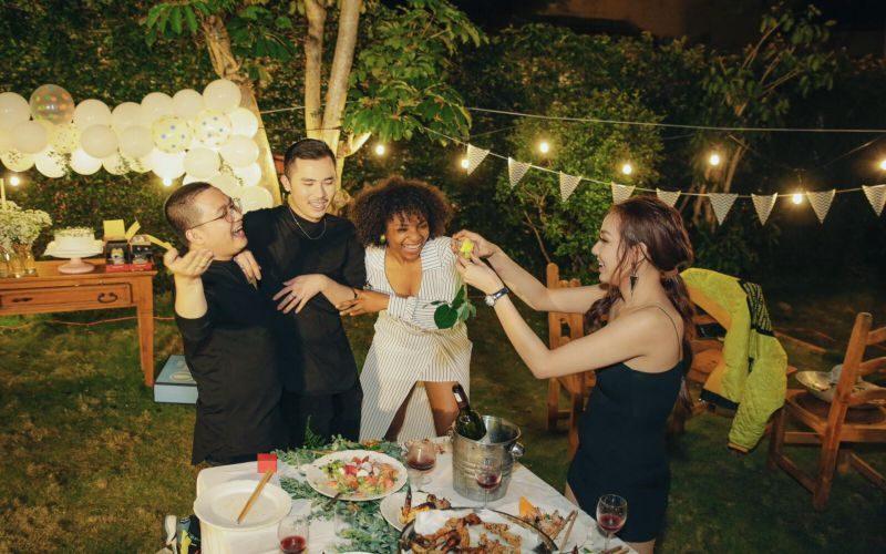 Tổ chức tiệc trong villa Ngôi Nhà Nhỏ Đà Lạt