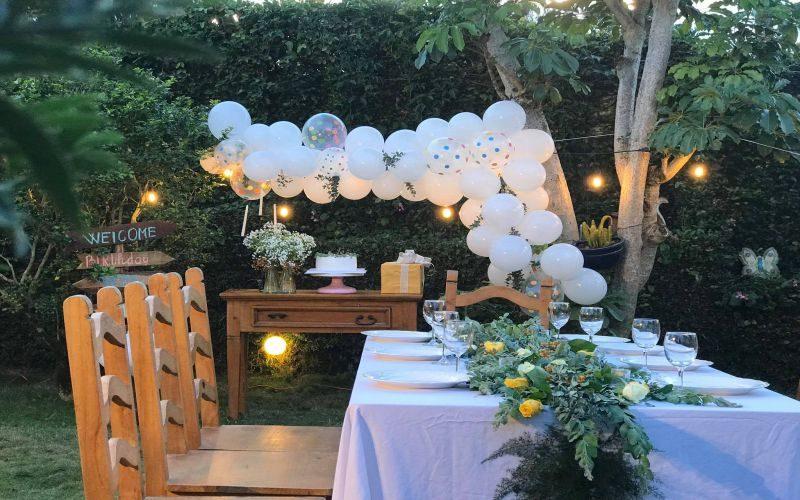 Sân vườn rộng rãi để tổ chức tiệc trong villa