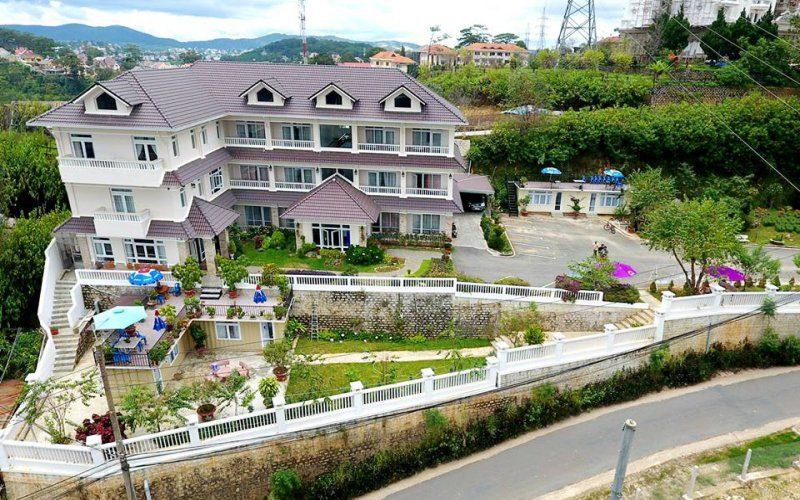 Toàn cảnh khách sạn Nhật Vy Đà Lạt