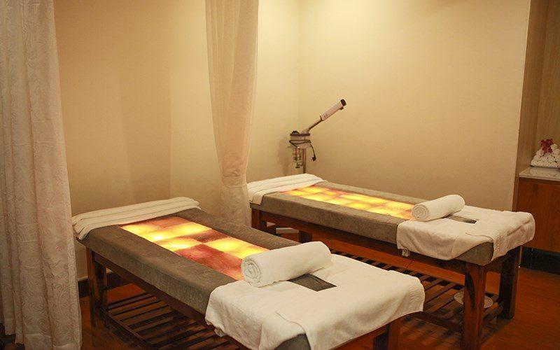 Phòng masage trong resort Thủy Hoàng Nguyên