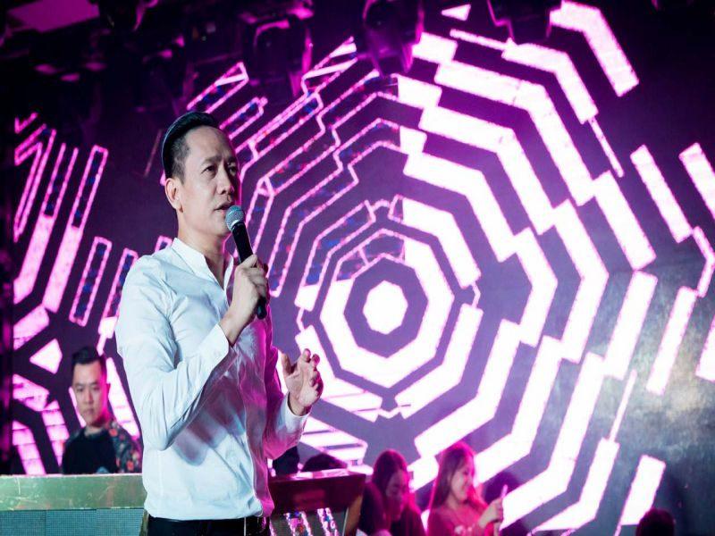 Ca sĩ Duy Mạnh tại Rain Night Đà Lạt. Nguồn. Internet