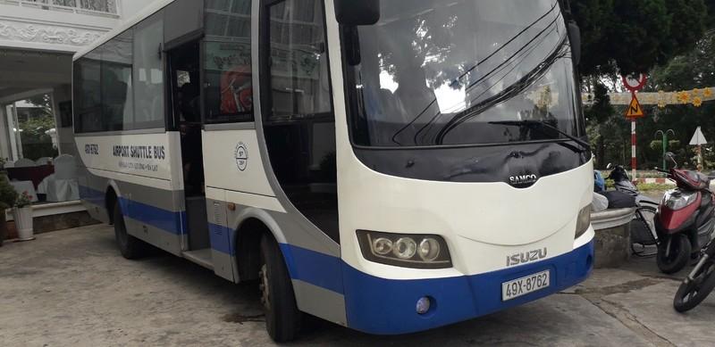 Xe buyt trung chuyển từ sân bay Đà Lạt về thành phố