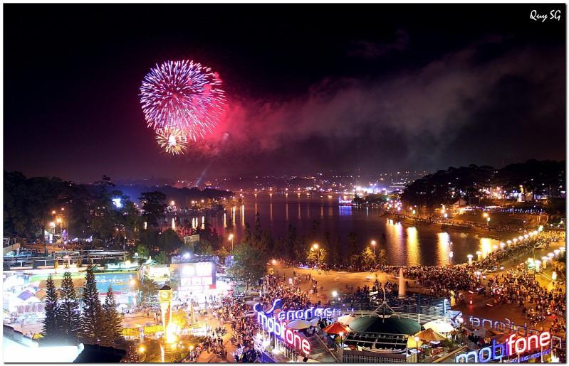 Hồ Xuân Hương, điểm bắn pháo hoa hằng năm ở Đà Lạt