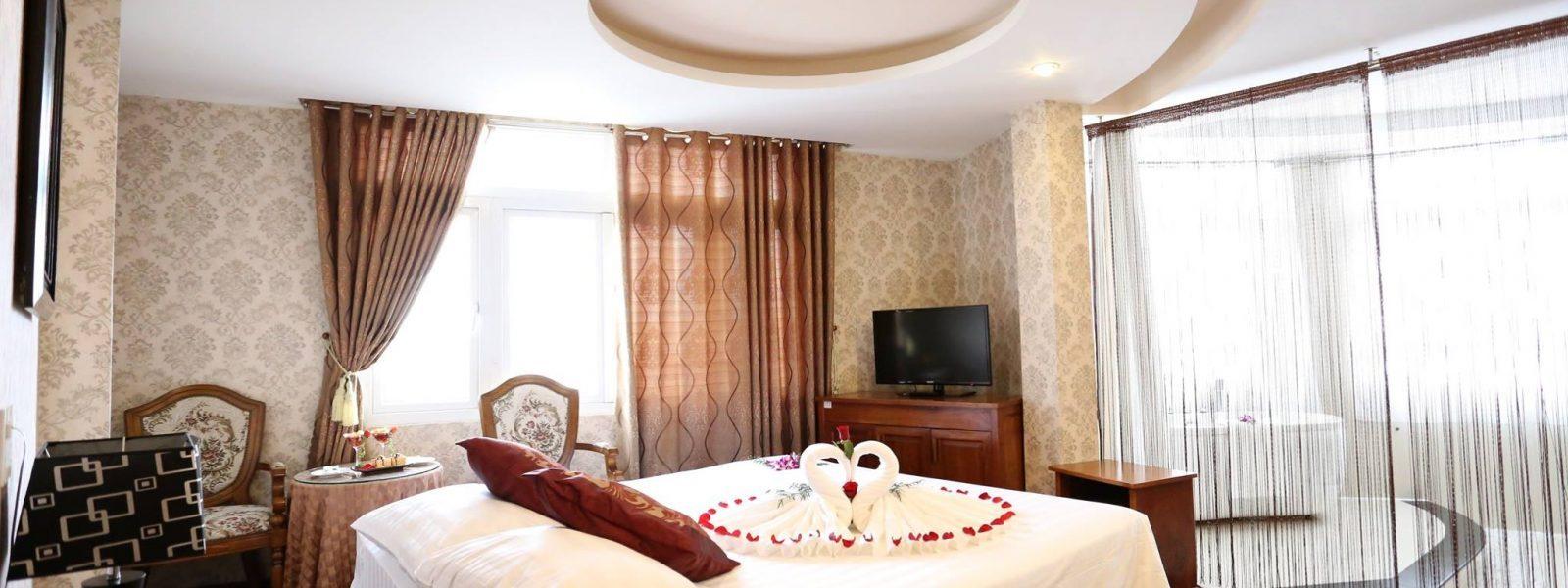 View tổng quan của phòng Romance Queen tại khách sạn Phố Núi Đà Lạt rất đẹp