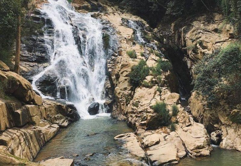 thác hang cọp ở đà lạt