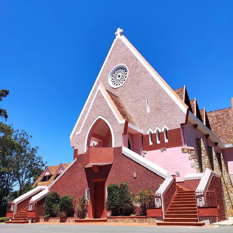 Thiết kế của nhà thờ Domaine De Marie