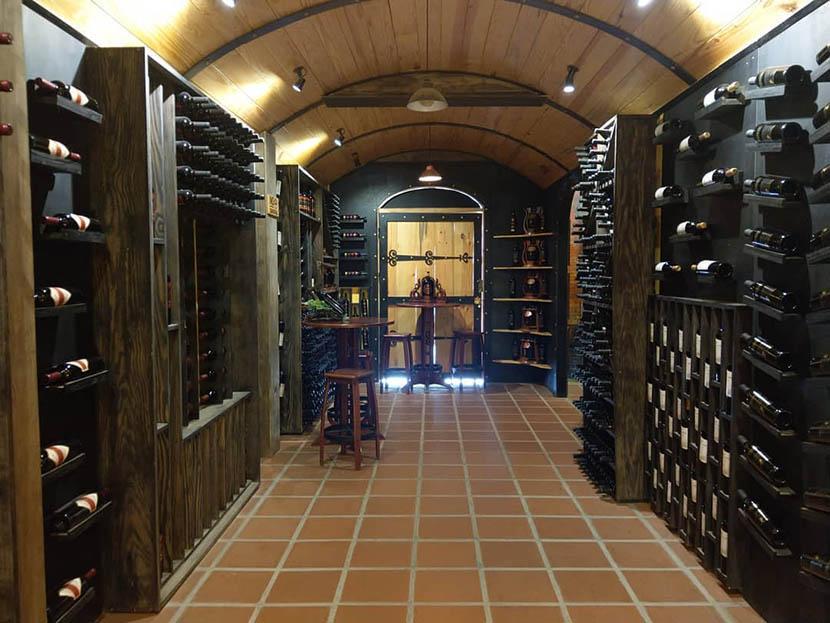 đường hầm rượu vang đà lạt