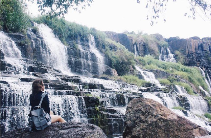Góc hình đẹp bên dòng thác Pongour