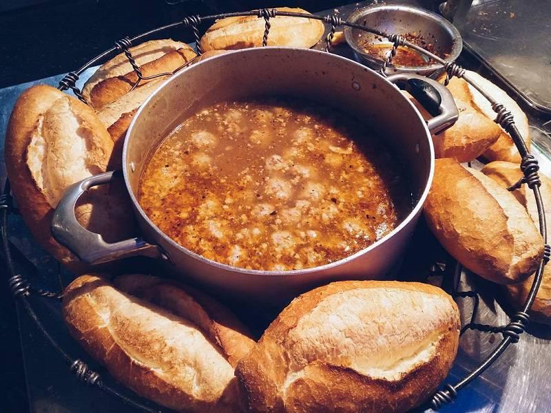 Bánh mì xíu mại ngon BH Đà Lạt