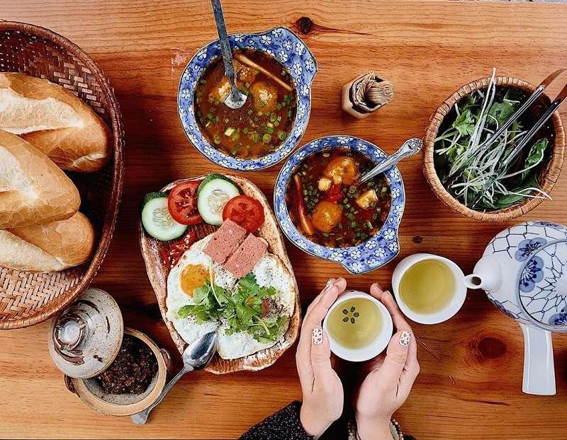 Hương vị bánh mì xíu mại Thảo Còi đường Nguyến Văn Cừ, Đà Lạt