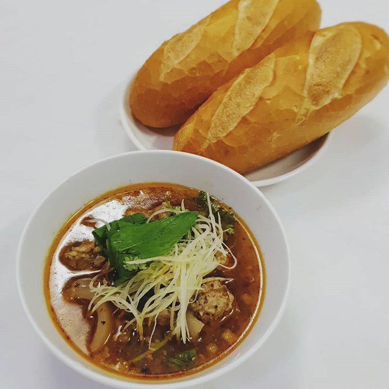 bánh mì xíu mại món ngon ở Đà Lạt