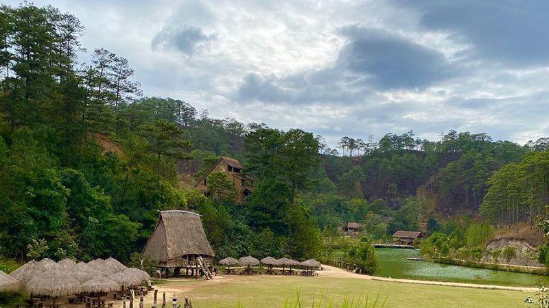 Đị điểm du lịch làng Cù Lần