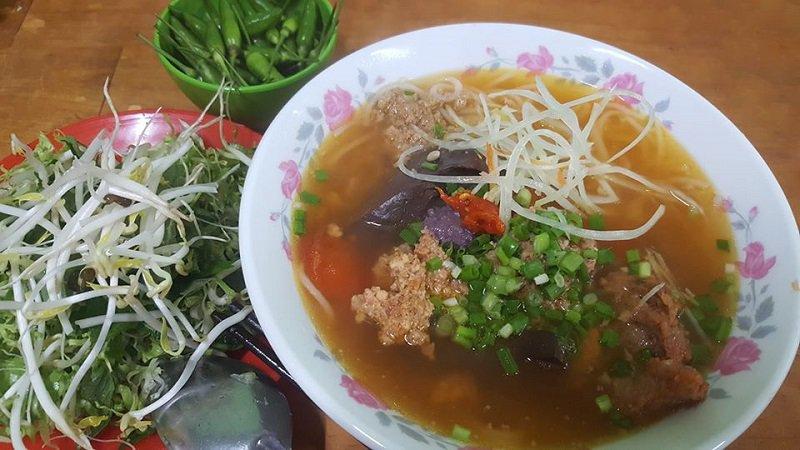 Quán bún riêu Bà Gìa địa chỉ ăn ngon tại Đà Lạt