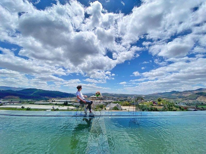 Hồ trên mây là một trong top 8 hồ đẹp ở Đà Lạt