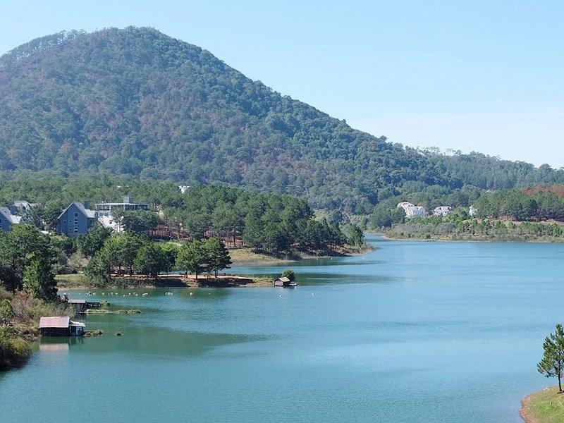 Hồ Tuyền Lâm Đà Lạt một trong top 8 hồ nước đẹp nhất Đà Lạt