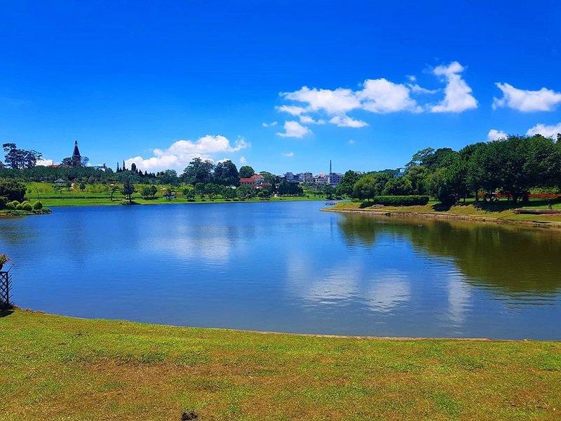 Hồ Xuân Hương một trong những hồ nước ở Đà Lạt đẹp nhất