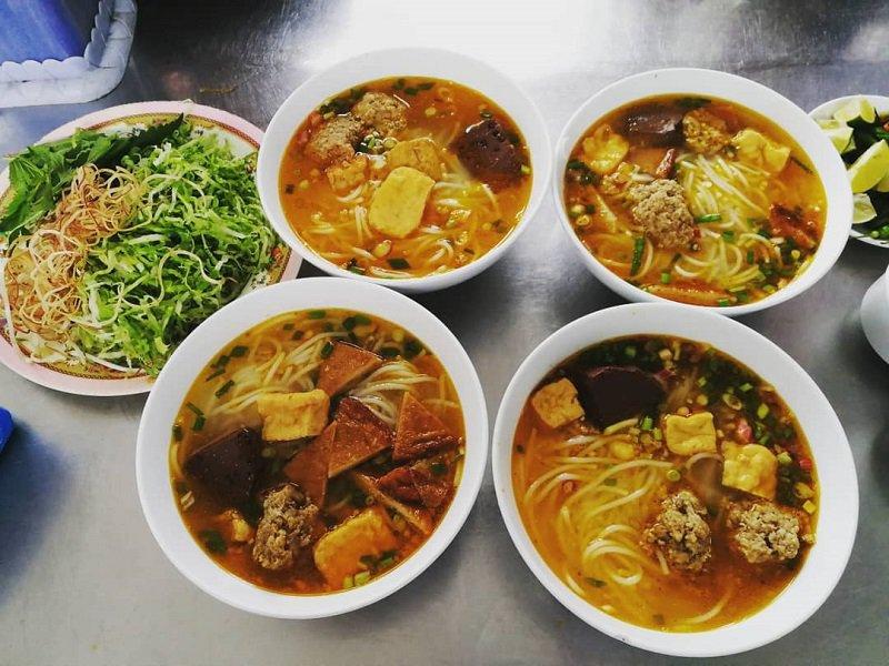 Bún riêu dì cảnh một địa chỉ ăn ngon tại Đà Lạt