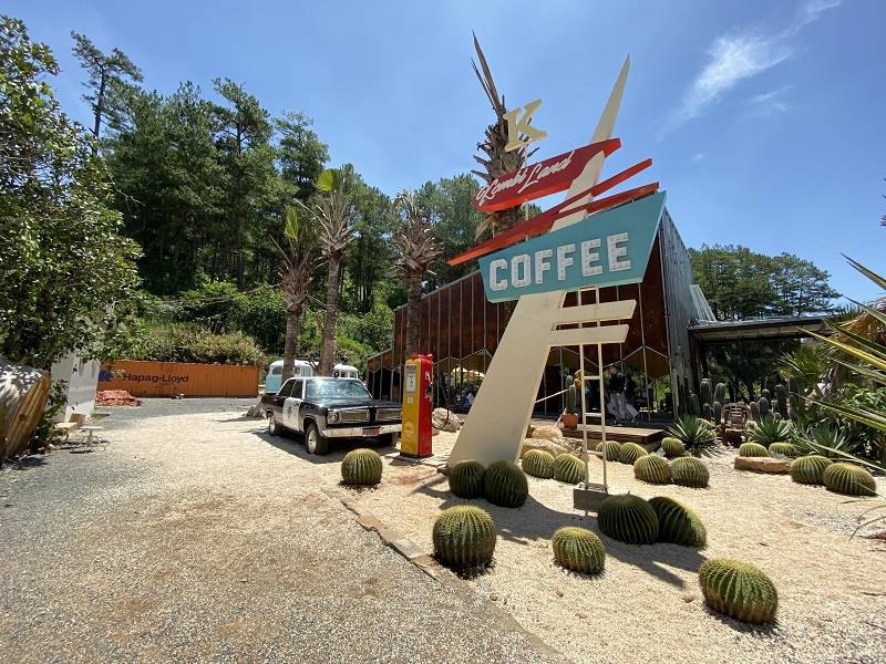 Cafe kombi Land Đà Lạt