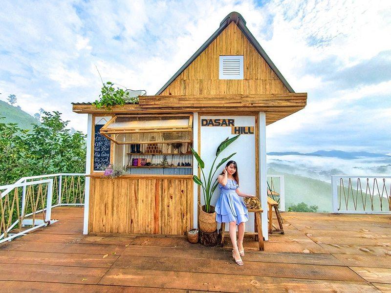 Thưởng thức cafe tại Dasar Hill Đà Lạt