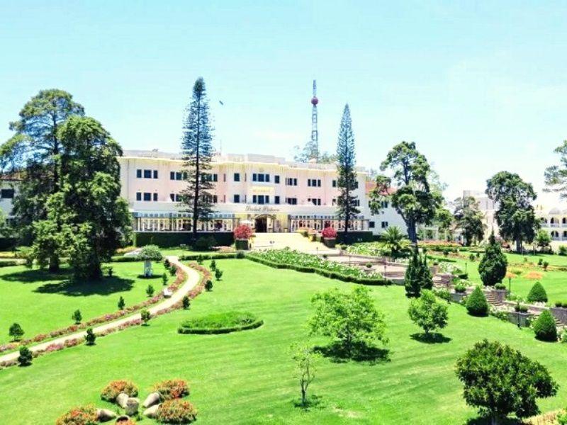 Khách sạn Dalat Palace Hotel