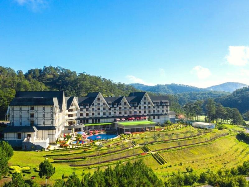khách sạn Đà Lạt có hồ bơi đẹp
