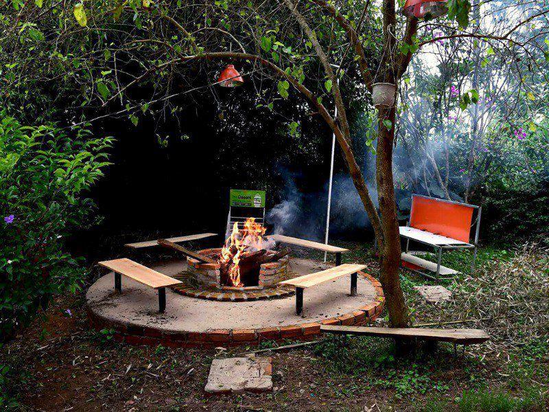 Sân vườn tổ chức tiệc nướng tại homestay Vivir El Amor Đà Lạt